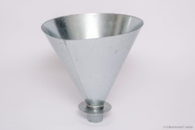 Einkehrtrichter rund aus verzinktem Metall